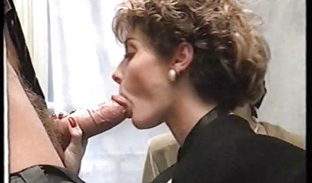 સુંદર લેસ્બિયન મસાજ અને સંબંધ ચેક પોર્ન એચડી રાખનારી છોકરી