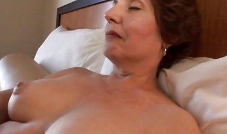 યાન્કી સોનેરી Masturbates ઇન્ડિકા એક જૂથ ચેક porn