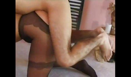 Lorena ગાર્સીયા ચેક પોર્ન સ્ટાર માં એક સેક્સી લેધર સરંજામ