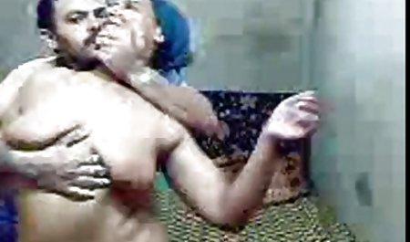 મીઠી ક્યુબન એન્જેલીના કાસ્ટ્રો સુપર ચેક પોર્ન ગ્રુપ Banged છત પર!