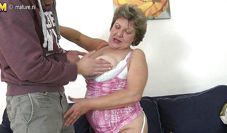 કૂતરી મોટા બોબલા વાળી મહિલા સોનેરી milks તેના છૂંદણાં કે ચેક પોર્ન મુક્ત માટે ઓનલાઇન ત્રાજૂડાં પાડવાં સંવર્ધન