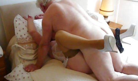 જુવાન ગાંડ ચોદતિ વખતે કૅસ્ટિંગ કરવુ સુંદર છોકરી teases વરણાગિયું ચેક રેટ્રો porn માણસ સાથે તેના દૈવી તળિયે